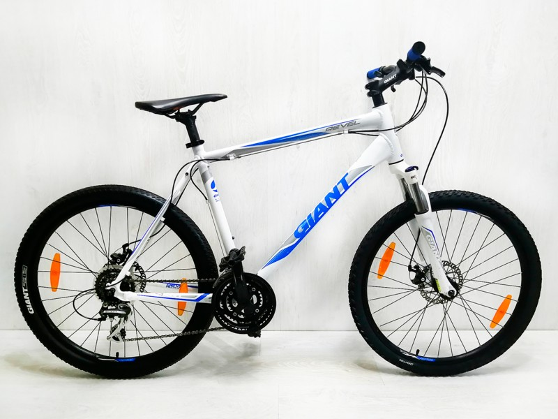 """Велосипед Giant Revel 1 26"""" (рама 21"""", білий/синій, б/в)"""